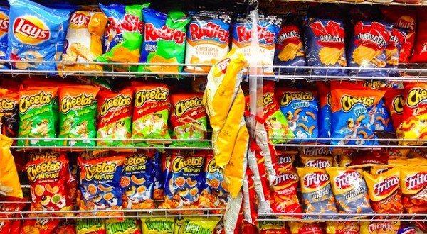 Hàng tạp hóa gồm những gì? Thực phẩm là mặt hàng không thể thiếu trong các cửa hàng tạp hóa
