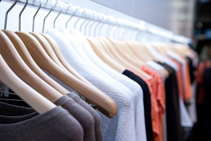 Muốn mở shop quần áo lấy hàng ở đâu?
