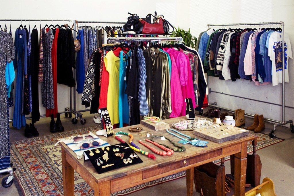Ý tưởng kinh doanh quần áo - Mở shop bán quần áo online để khởi nghiệp