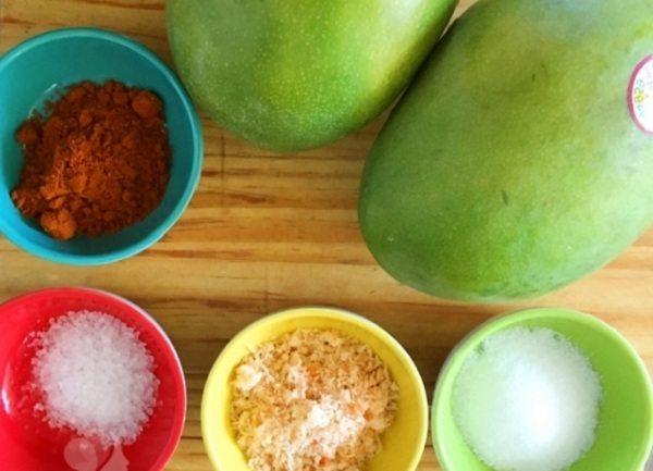 Cách làm xoài lắc muối tôm chua ngọt ngon nhất sài gòn tại nhà